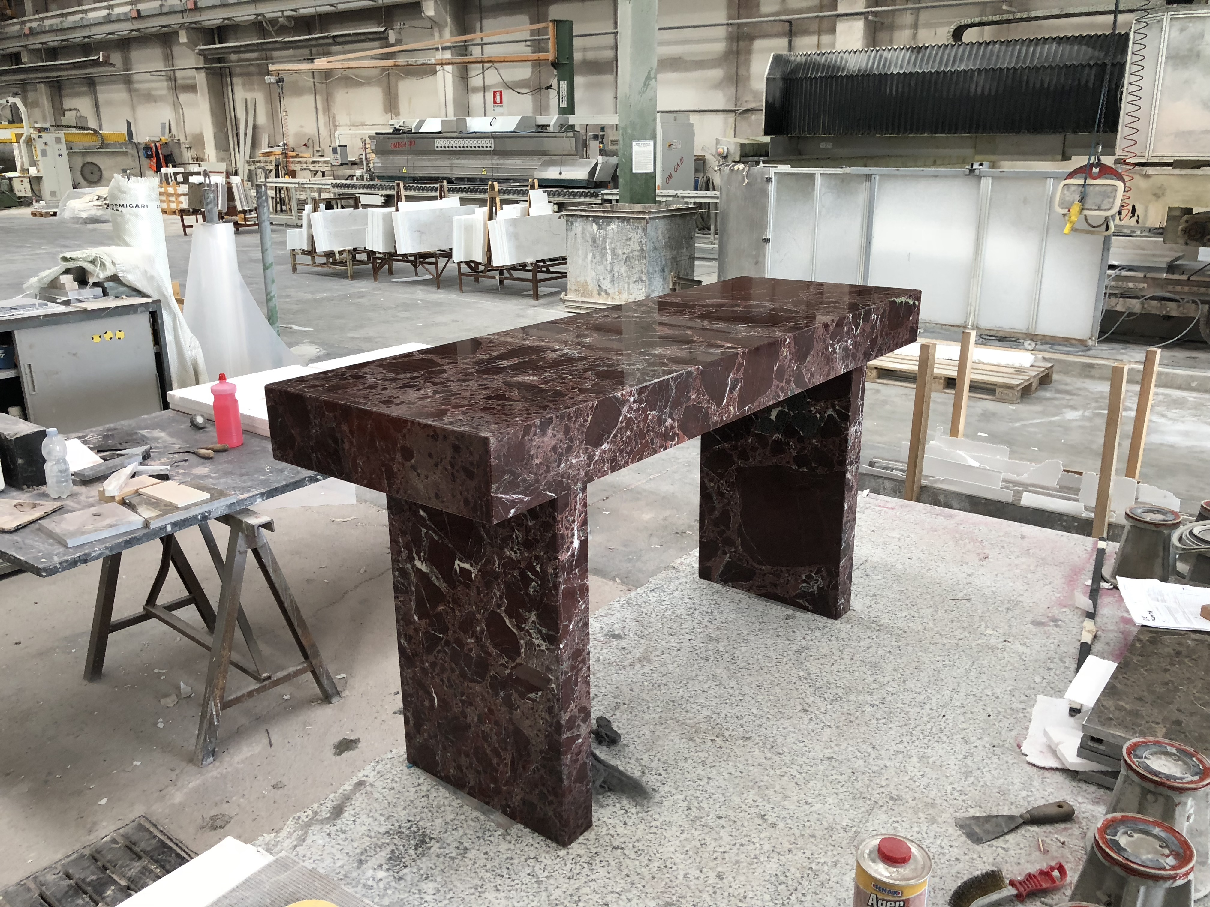 Rosso Levanto cut-to-size Table